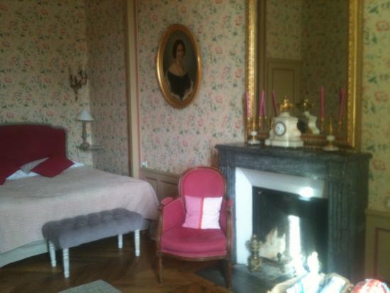Chateau La Touanne: Chambre Printemps