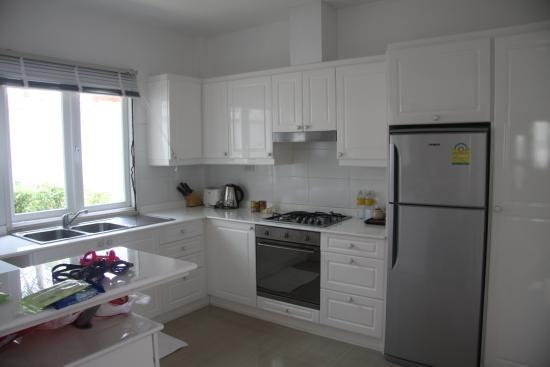 Tamarind Villas Phuket : kitchen area