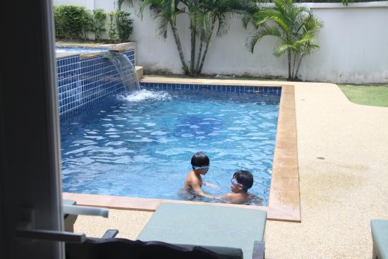 Tamarind Villas Phuket : pte swimming pool