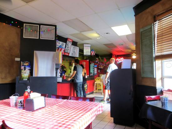 Alice's Cookhouse: Restaurant