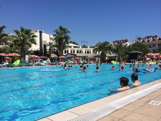 Club Hotel Pineta: 1 of the pools