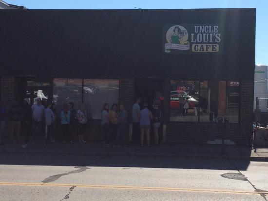 UNCLE Louis Cafe: photo1.jpg