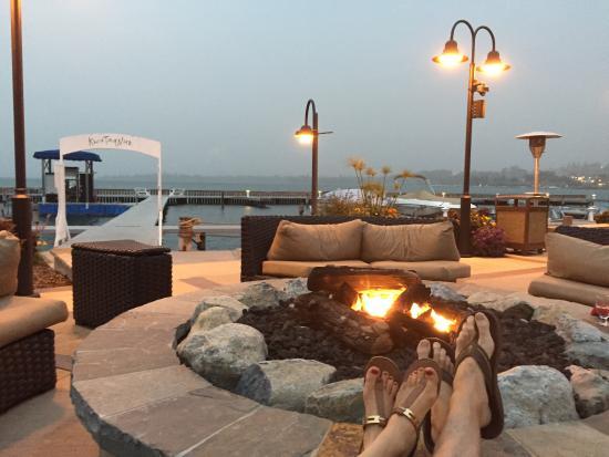 KwaTaqNuk Resort & Casino: Fire by the lake