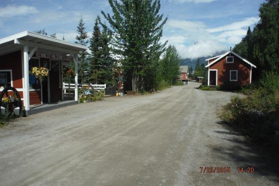 McCarthy, AK: Kennicott mining town