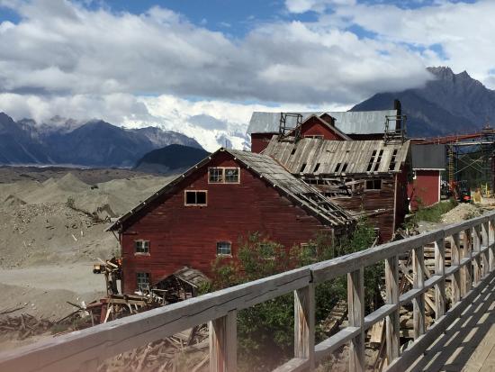 McCarthy, AK: Kennicott mining buildings