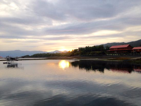 Alaska's Kodiak Island Resort: Sunrise and Lodge