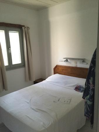 Paros Apartments : camera matrimoniale
