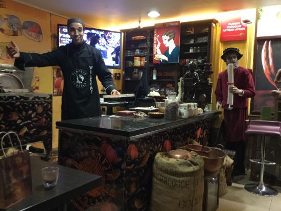 Planete Chocolat: Mr Menouni