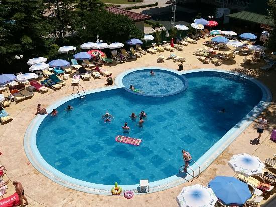 Lilia Hotel: Piękny basen na terenie hotelu