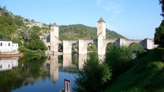 Brit Hotel Cahors - Le France: Cahors - Le Pont Valentré