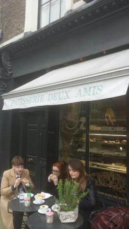 Patisserie Deux Amis: Outside view