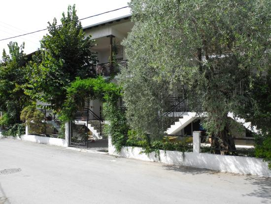 Anthos Apartments