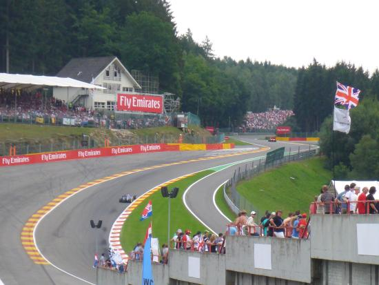 eau rouge looking toward gold 4 picture of circuit de spa francorchamps francorchamps. Black Bedroom Furniture Sets. Home Design Ideas