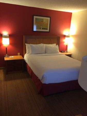 Residence Inn San Jose Campbell: Bed