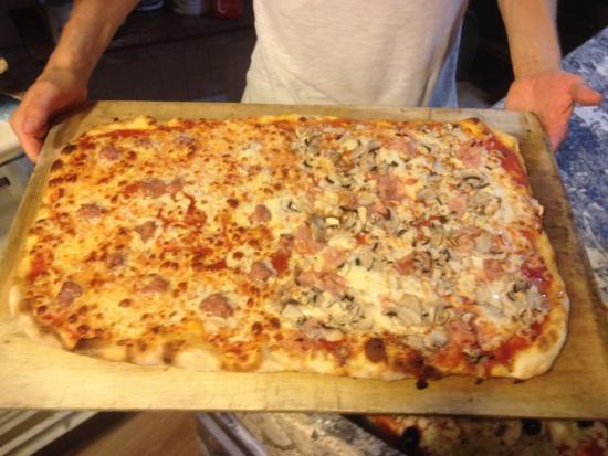 Montespertoli, Italia: Pecorini  e formaggi locali ottimi