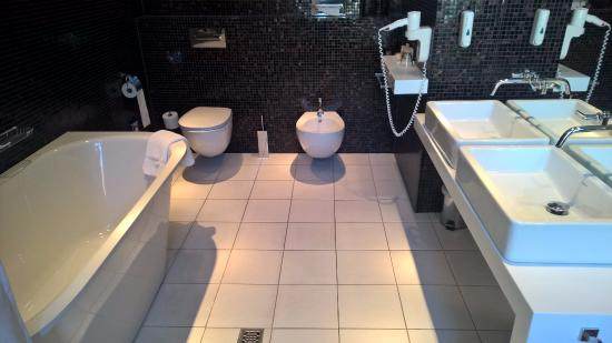 bathroom at 518