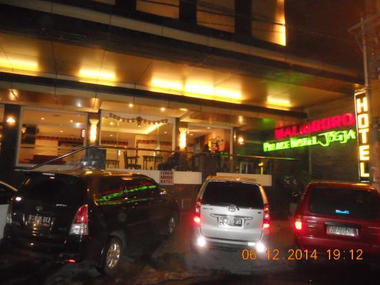 Malioboro Palace Hotel : Tampak depan hotel