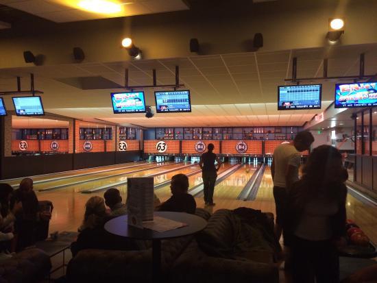 B4 Bowling