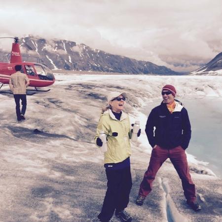 Winterlake Lodge: glacier by helicopter