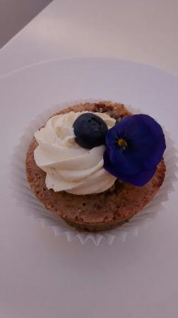Yulara, Australia: A little piece of heaven, lemon myrtle financier from the student cafe