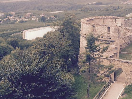 Ton, Italie : La valle dal Castello