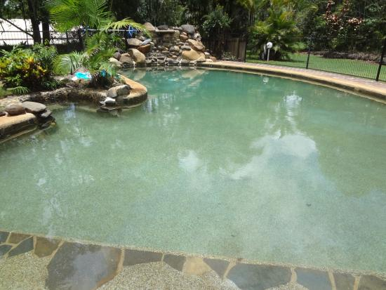 Malanda Lodge Motel: Salt water pool