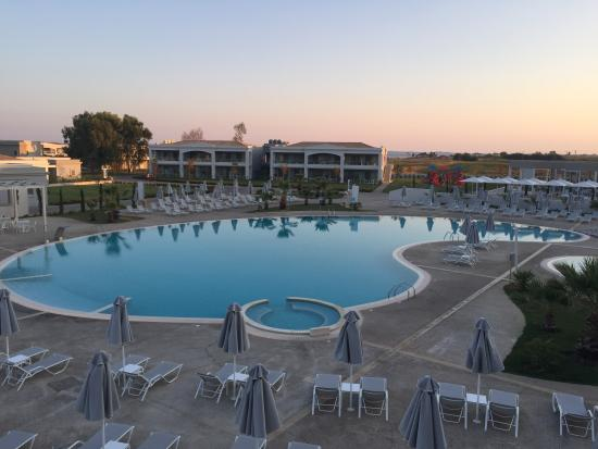 View from main hotel rooms picture of tui family life for Piscinas tui