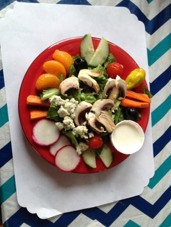 Kendra's Kitchen: The AMAZING dinner salad