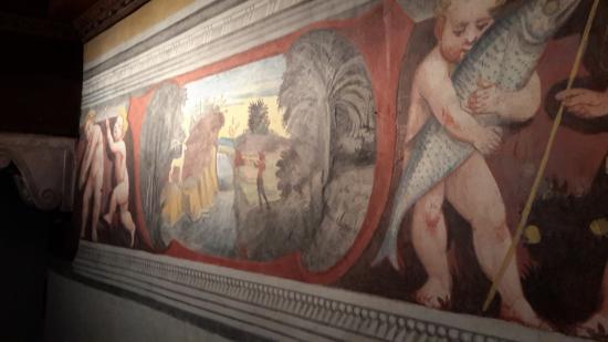 Valvasone, Ιταλία: particolare di affresco del teatro interno al castello