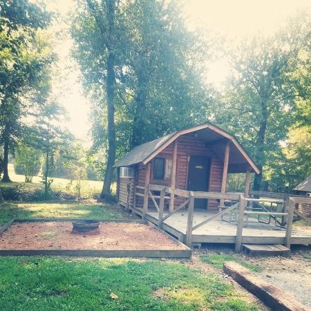 Paris Landing KOA: Our Cabin