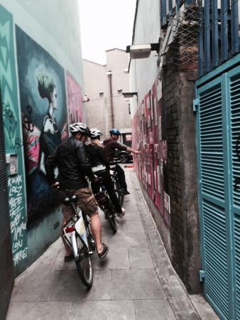 Dublin City Bike Tours: Love wall alley