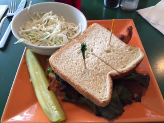 Tortugas Island Grille: Terrific Fresh Fish Sandwich and Cole Slaw!