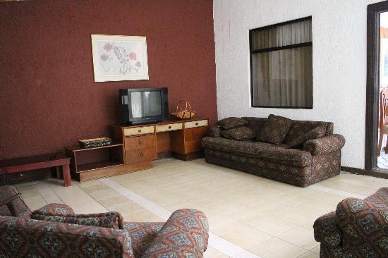 Hotel Villas Colibri: Très grand salon