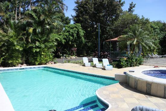 Hotel Villas Colibri : La piscine vu d'un autre angle