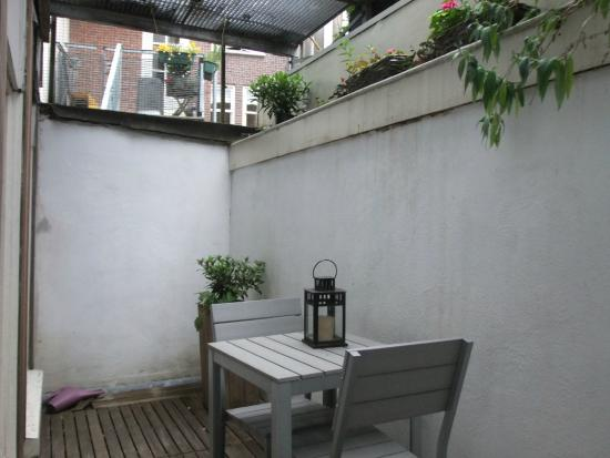 "The Posthoorn : the ""terrace"" outside the quad room."