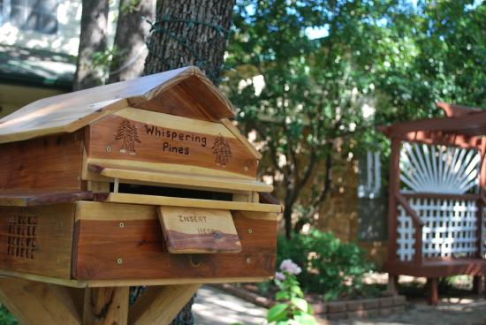 Whispering Pines Bed and Breakfast: Breakfast Dropbox