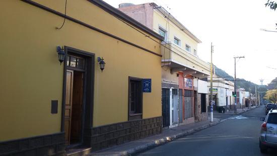 Hostel del Paiman: FACHADA