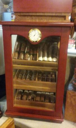 Woodville, TX: Humidors galore!