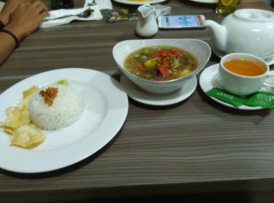 Makanan Restoran Picture Of The Madeline Hotel Bengkulu