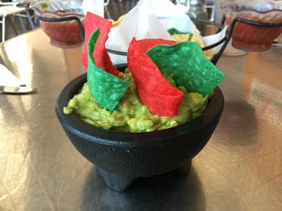 Guacamole picture of alejandra 39 s mexican restaurant for Alejandra s mexican cuisine
