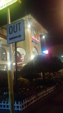 Hempstead, NY: Pollos Mario Restaurant