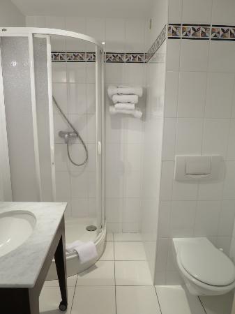 Hotel Nid de Cigognes: bathroom