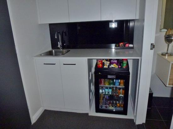 Kitchen and mini bar area of room - Picture of Avenue Hotel Canberra ...