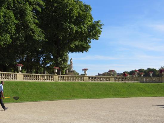 Statua della libertà ai giardini di lussemburgo bild von jardin du