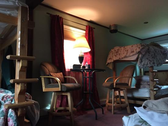 Billie's Backpackers Hostel: The dorm room