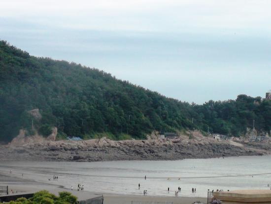 Incheon Beach Tourist Hotel: Пляж-вид-отлив