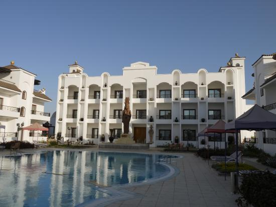 Kharga, Mısır: The healing center / hotel / pool