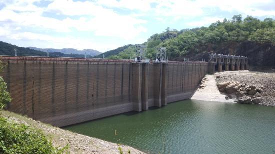 Manimuthar And Papanasam Dams : Papanasam dam
