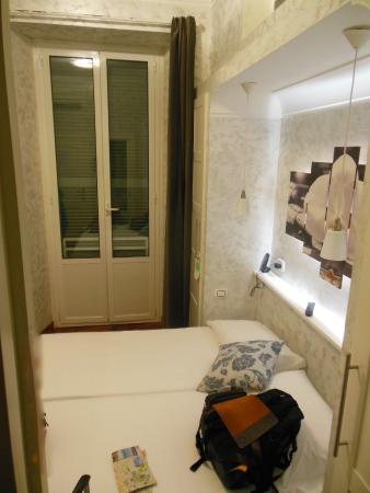 Hotel Italia: twin room in annex