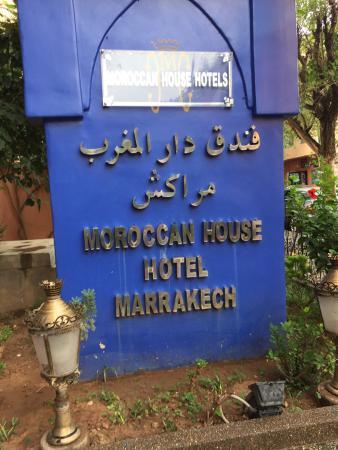 فندق البيت المغربي بمراكش: Un hôtel super accueillant personnel a l écoute a300 mètres de Centre De Guéliez et à 3 Km de la